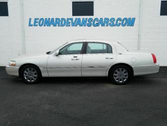 2005 Lincoln Town Car Signature Limited Series